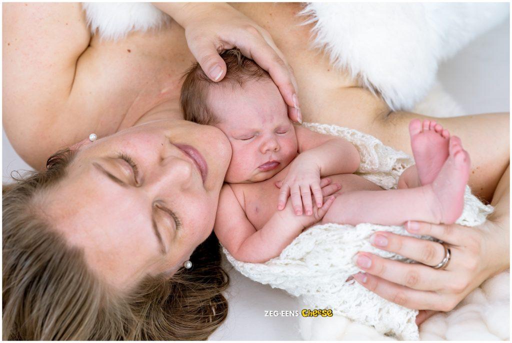 Newborn fotoshoot uitgebreid barendrecht