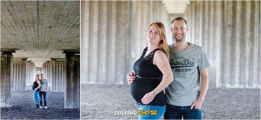 Zwangerschapsfotoshoot strand en industrie